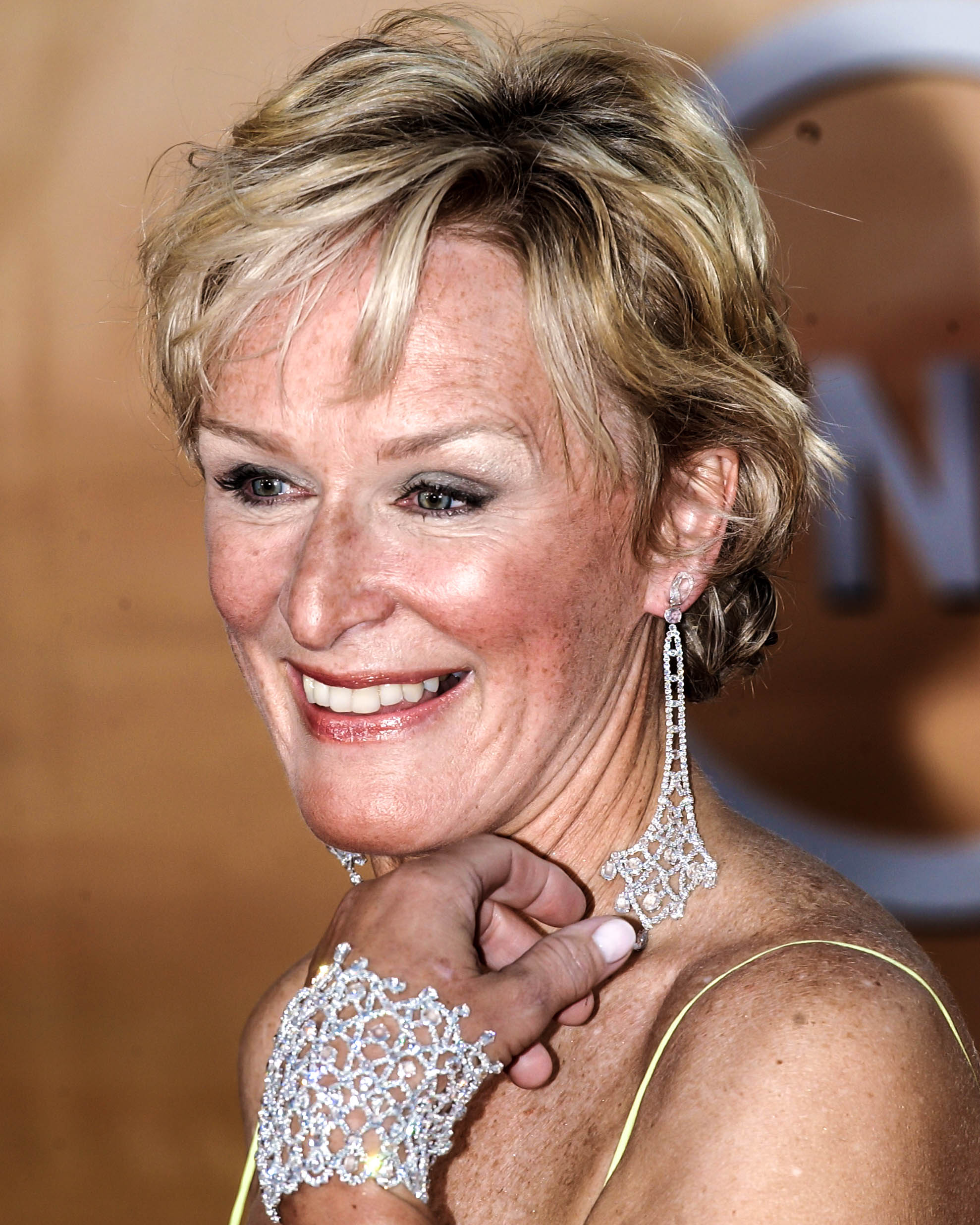Glenn Close wearing Eiffel Tower Earrings and Pompadour Bracelet at 2005 SAG Awards.